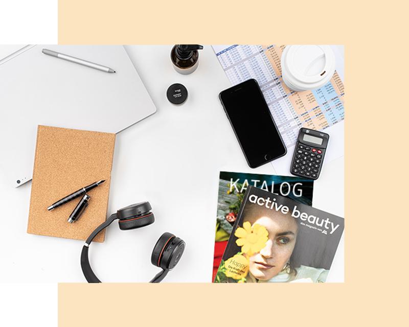 Fotografija kataloga, časopisa, slušalica, telefona